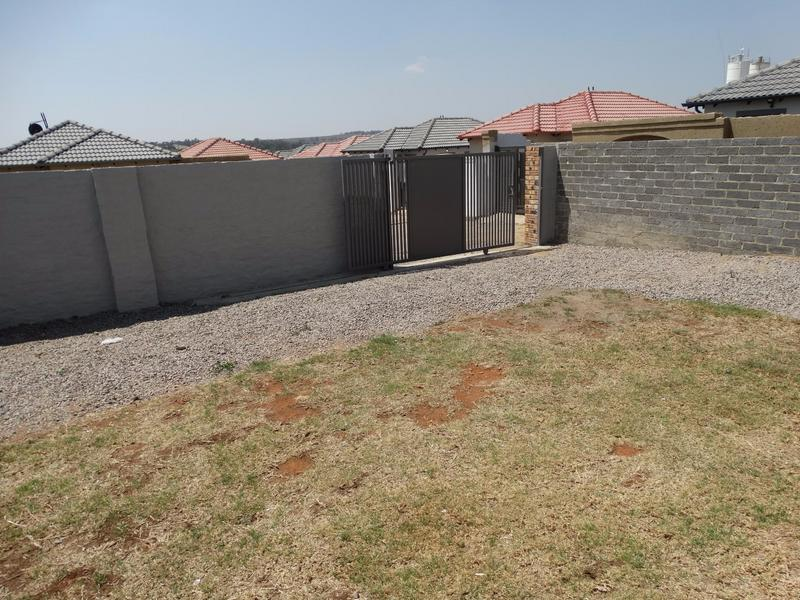 Property For Rent in Fourways, Sandton 6