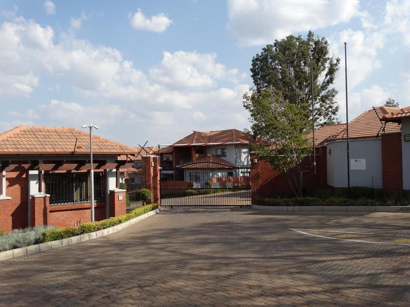 Property For Rent in Sonneglans, Randburg 6