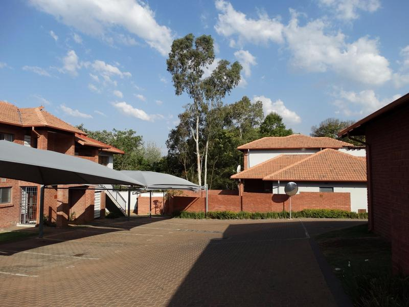 Property For Rent in Sonneglans, Randburg 9