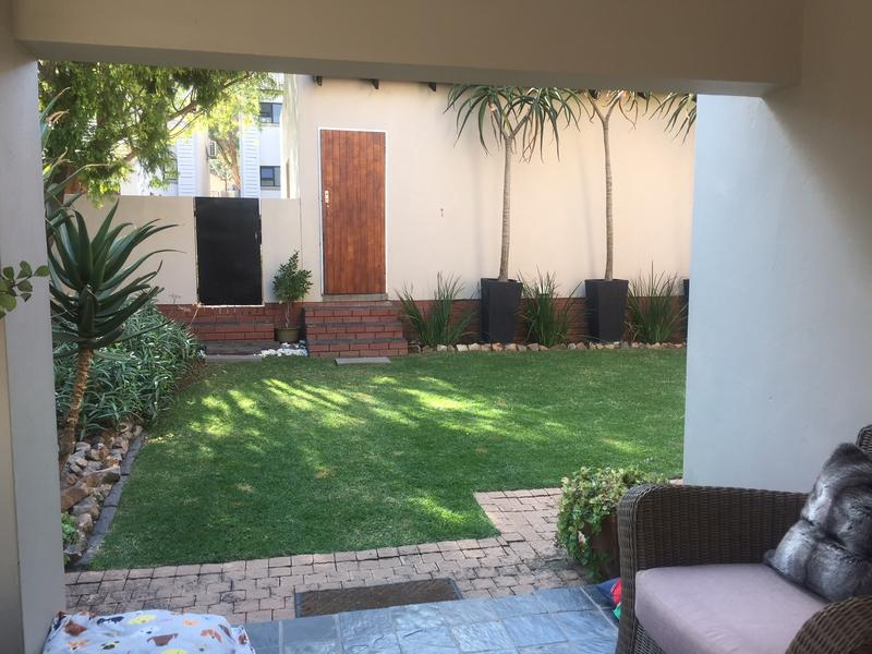 Property For Rent in Craigavon, Sandton 3