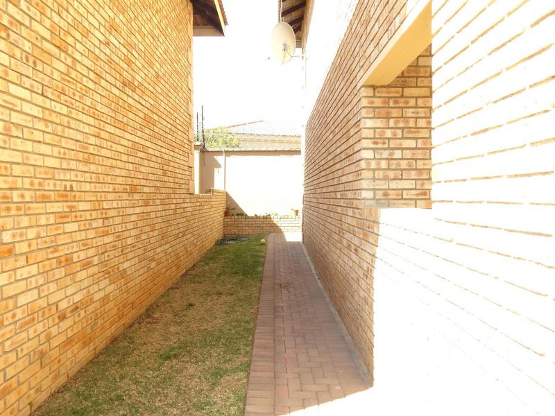 Property For Rent in North Riding, Randburg 13