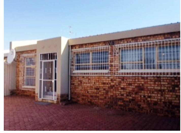Property For Sale in Georginia, Roodepoort 1