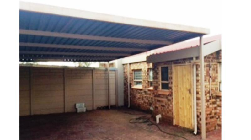 Property For Sale in Georginia, Roodepoort 9