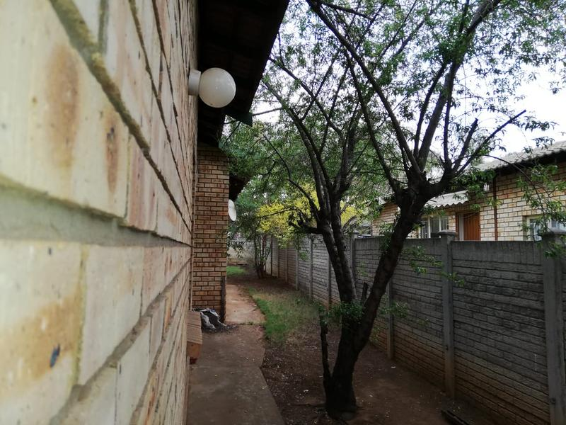 Property For Sale in Geelhoutpark, Rustenburg 12