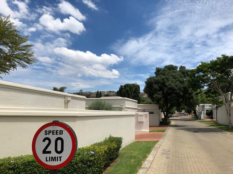 Property For Sale in Fairland, Johannesburg 18