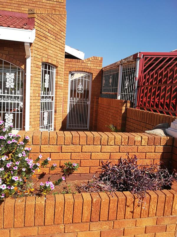 Property For Sale in Lenasia Ext 6, Johannesburg 3