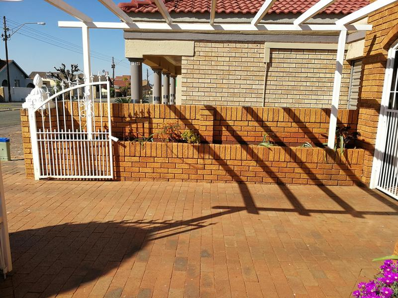 Property For Sale in Lenasia Ext 6, Johannesburg 5
