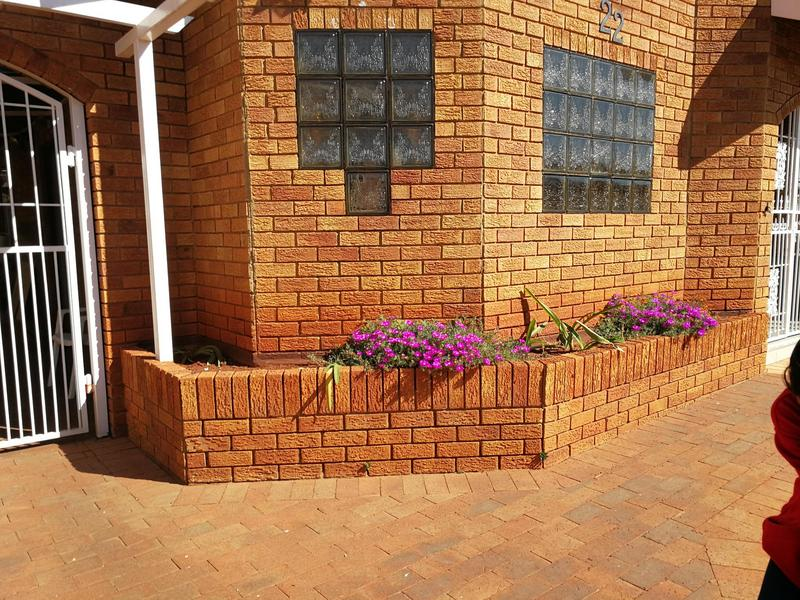 Property For Sale in Lenasia Ext 6, Johannesburg 6