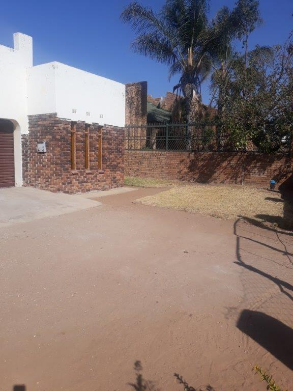 Property For Sale in Seshego D, Seshego 2