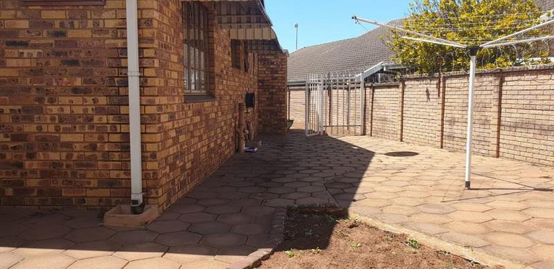 Property For Sale in Montclair, Durban 7