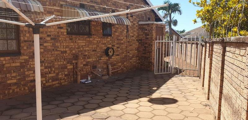 Property For Sale in Montclair, Durban 10
