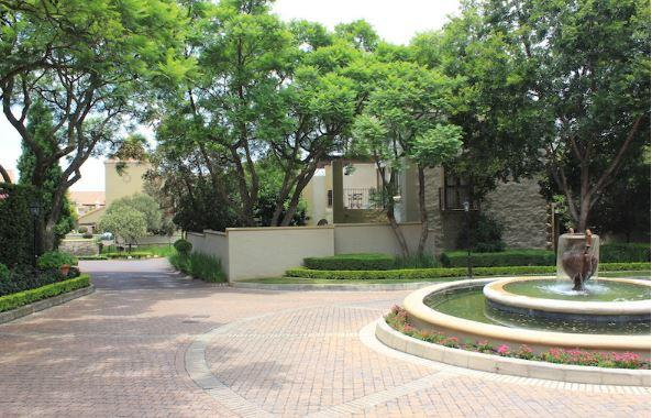 Property For Sale in Lonehill, Sandton 14