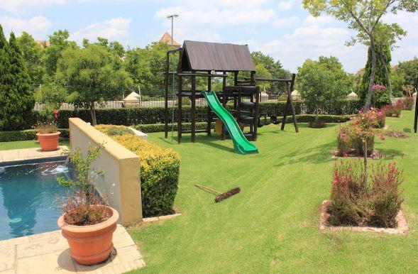 Property For Sale in Lonehill, Sandton 16