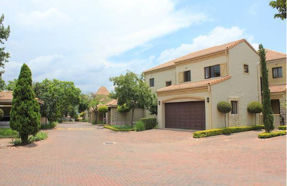 Property For Sale in Lonehill, Sandton 22