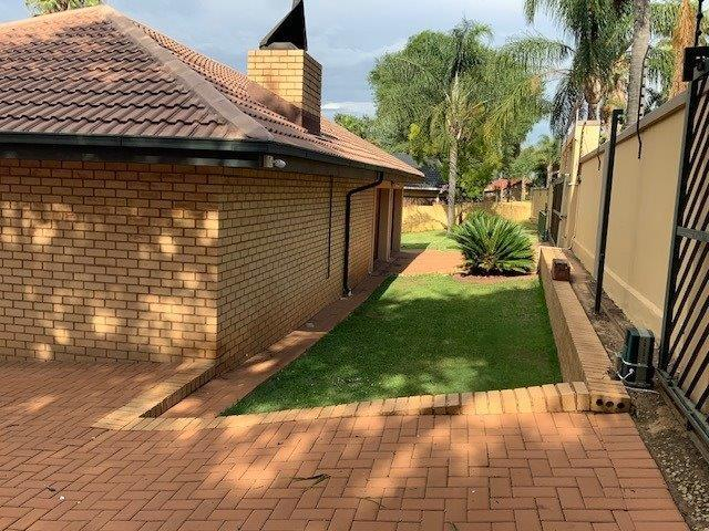 Property For Sale in Zwartkop Ext 4,5,6,8, Centurion 19