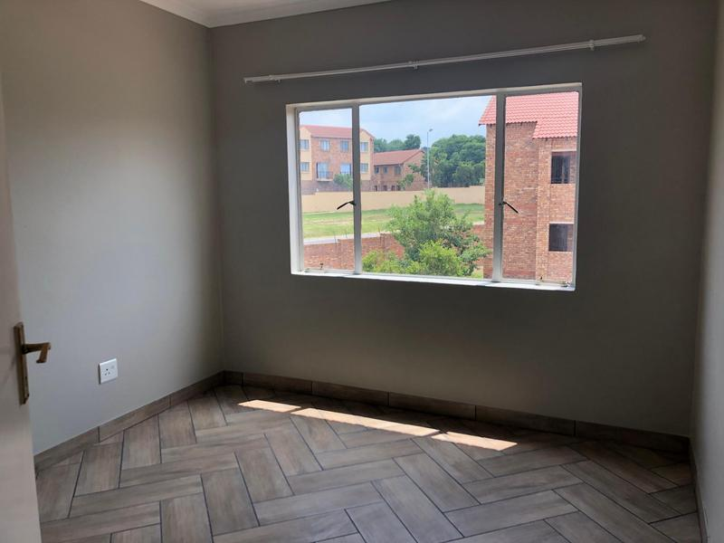 Property For Sale in Halfway Gardens, Midrand 13