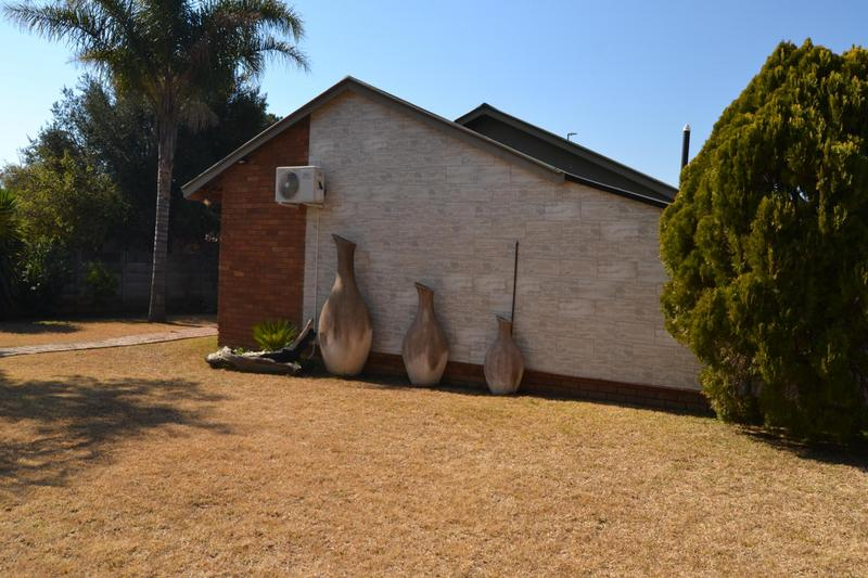 Property For Sale in East Lynne, Pretoria 6