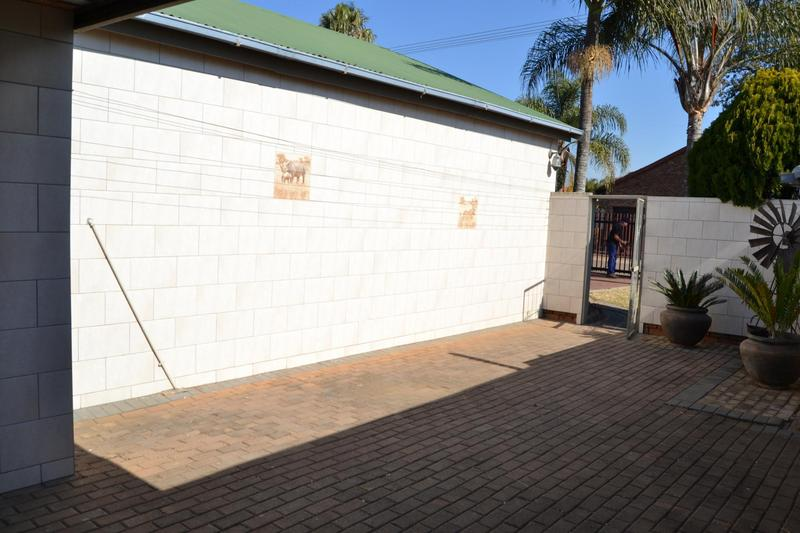 Property For Sale in East Lynne, Pretoria 29