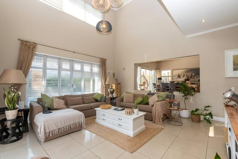 Property For Sale in Greenstone Hill, Edenvale 3