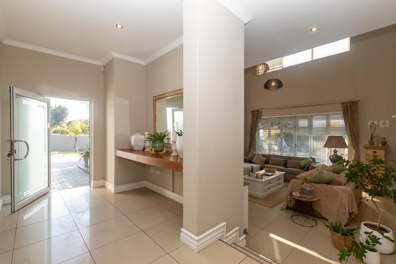 Property For Sale in Greenstone Hill, Edenvale 11