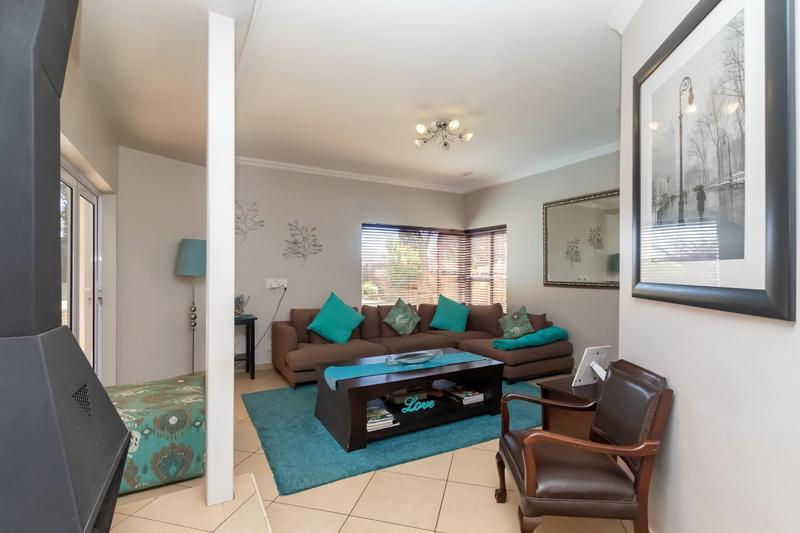 Property For Sale in Fourways Gardens, Sandton 22