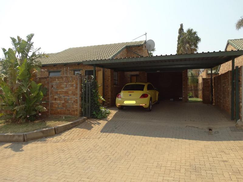 Property For Sale in Die Hoewes, Centurion 1
