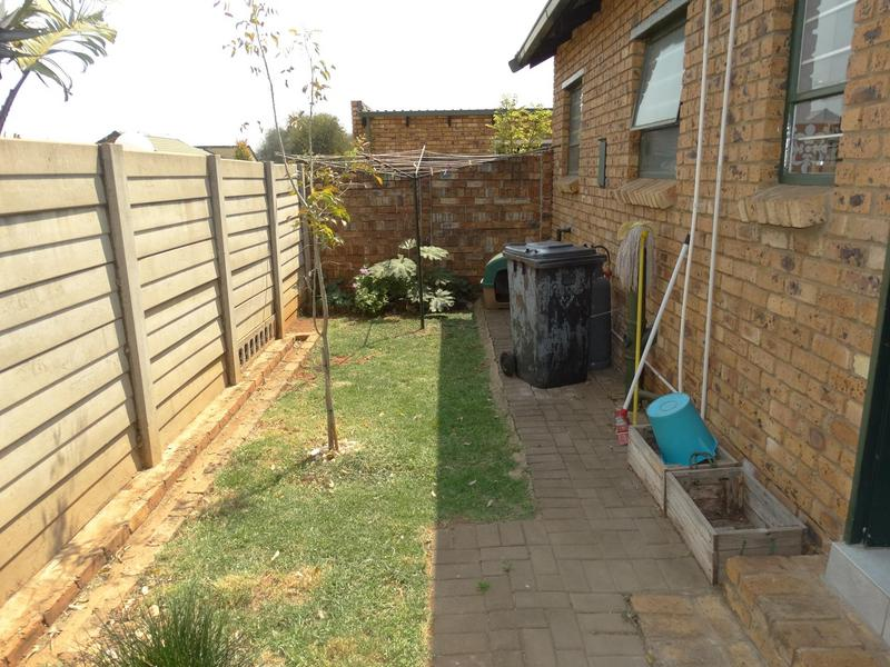 Property For Sale in Die Hoewes, Centurion 19