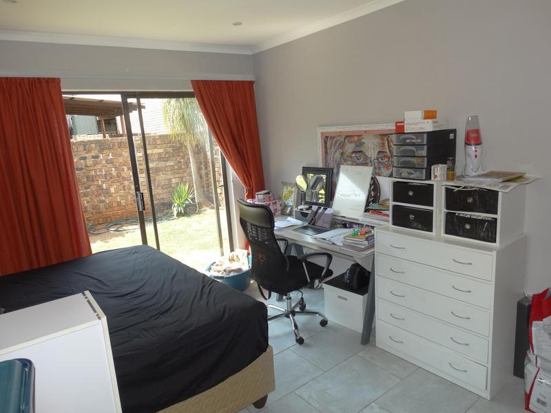 Property For Sale in Die Hoewes, Centurion 10