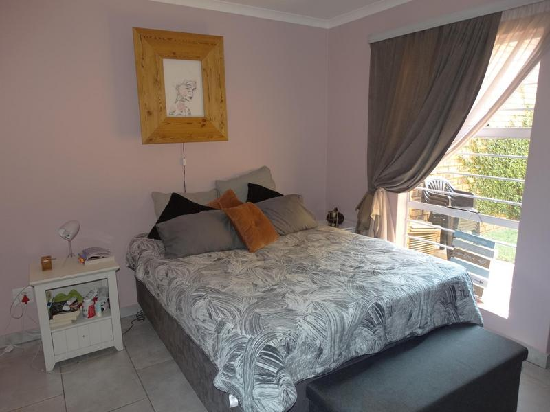 Property For Sale in Die Hoewes, Centurion 5