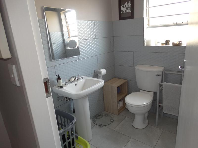 Property For Sale in Die Hoewes, Centurion 16