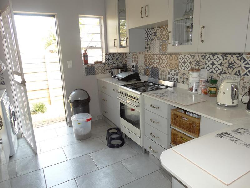 Property For Sale in Die Hoewes, Centurion 2