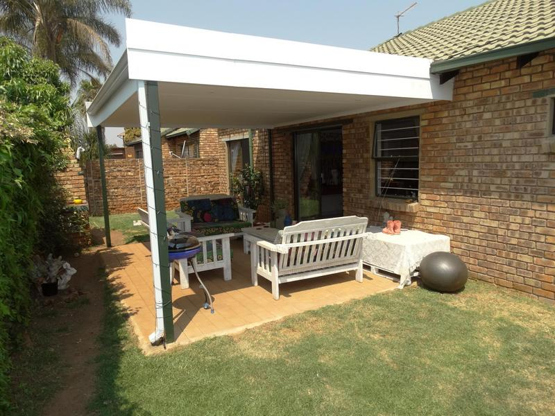 Property For Sale in Die Hoewes, Centurion 17
