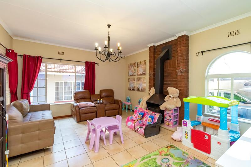Property For Sale in Johannesburg North, Randburg 18