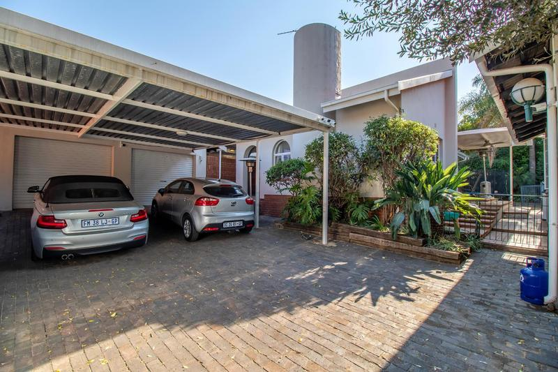 Property For Sale in Johannesburg North, Randburg 28