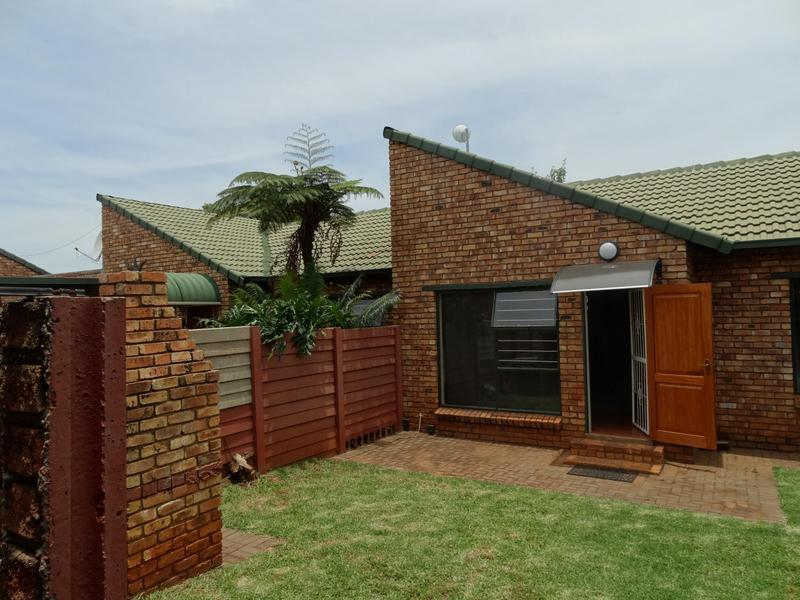 Property For Sale in Die Hoewes, Centurion 15