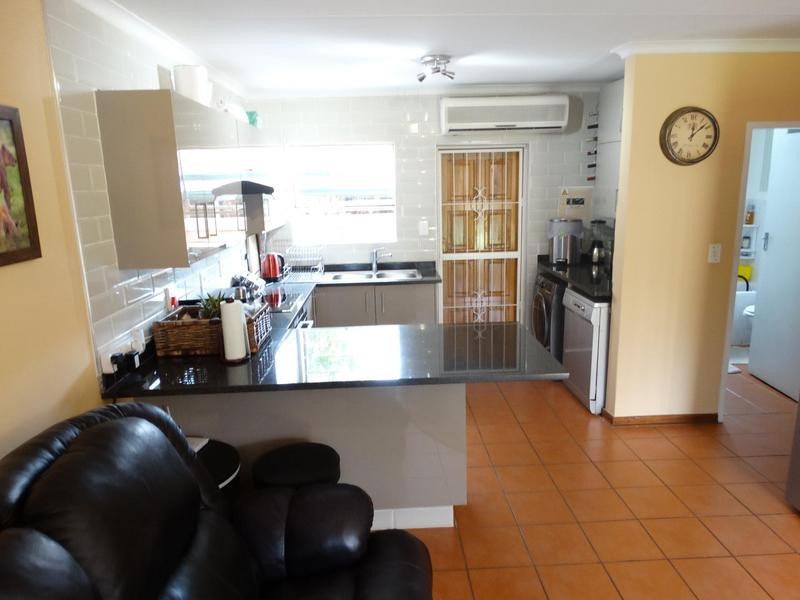 Property For Sale in Die Hoewes, Centurion 3