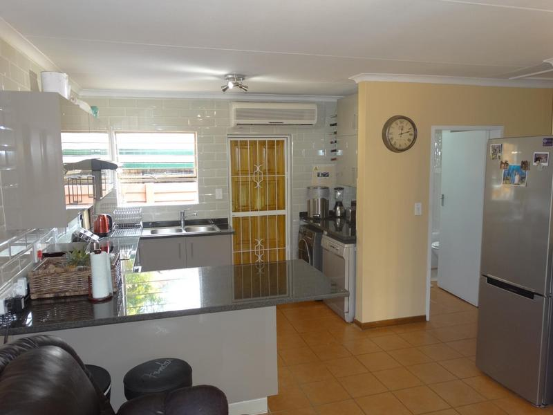 Property For Sale in Die Hoewes, Centurion 7