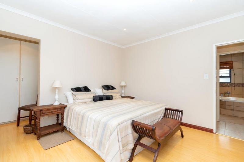 Property For Sale in Paulshof, Sandton 6