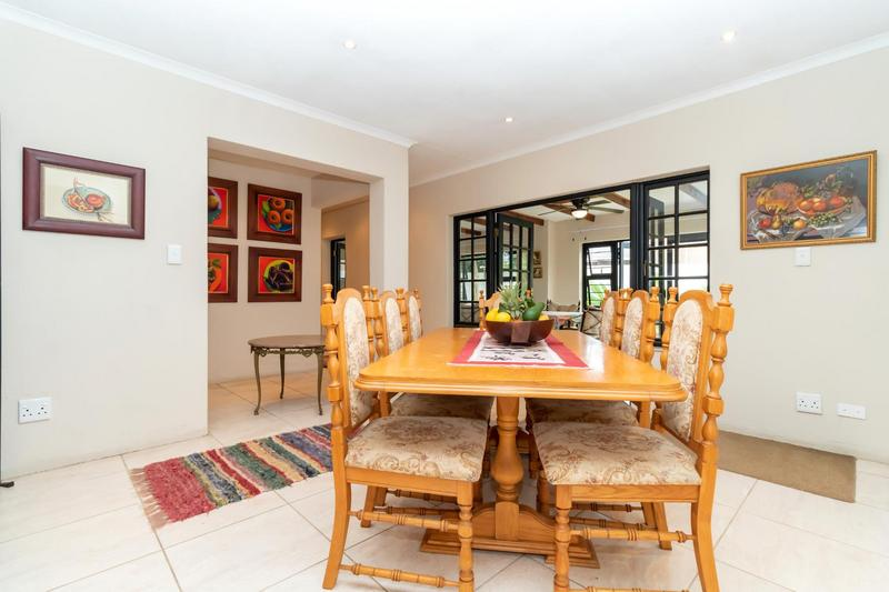 Property For Sale in Paulshof, Sandton 17