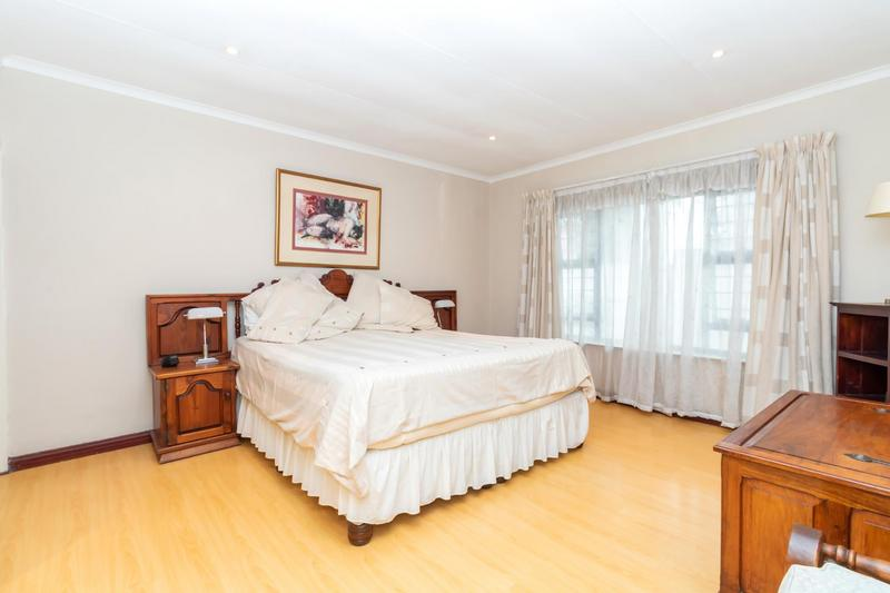 Property For Sale in Paulshof, Sandton 28