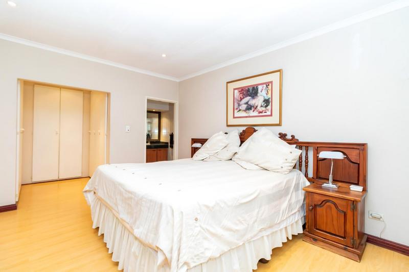 Property For Sale in Paulshof, Sandton 31