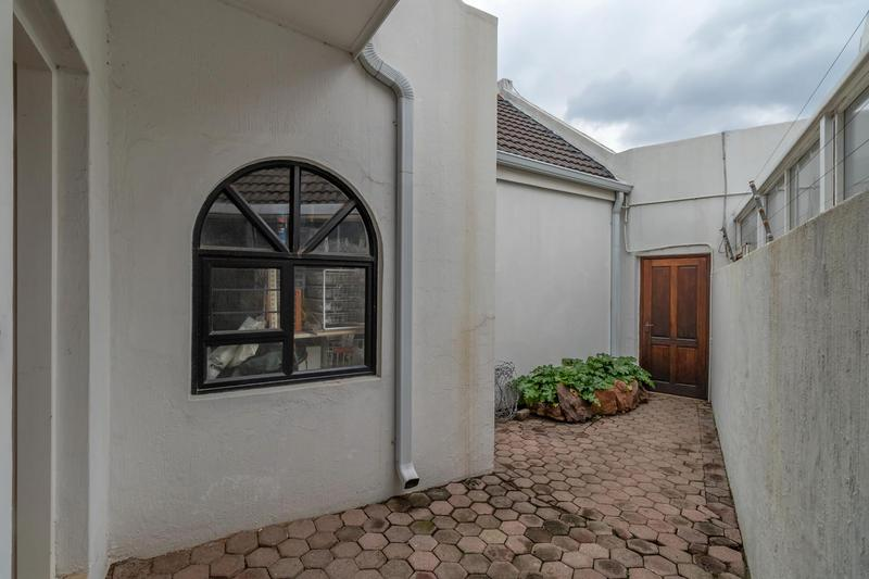 Property For Sale in Paulshof, Sandton 43