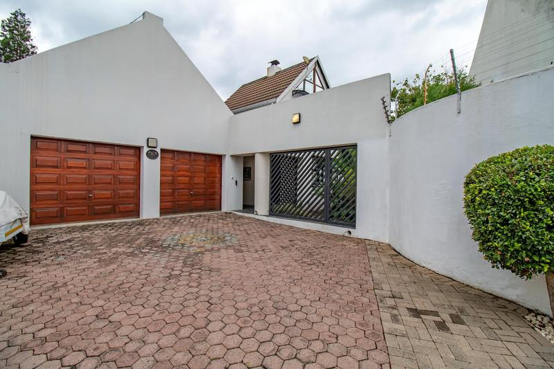 Property For Sale in Paulshof, Sandton 51